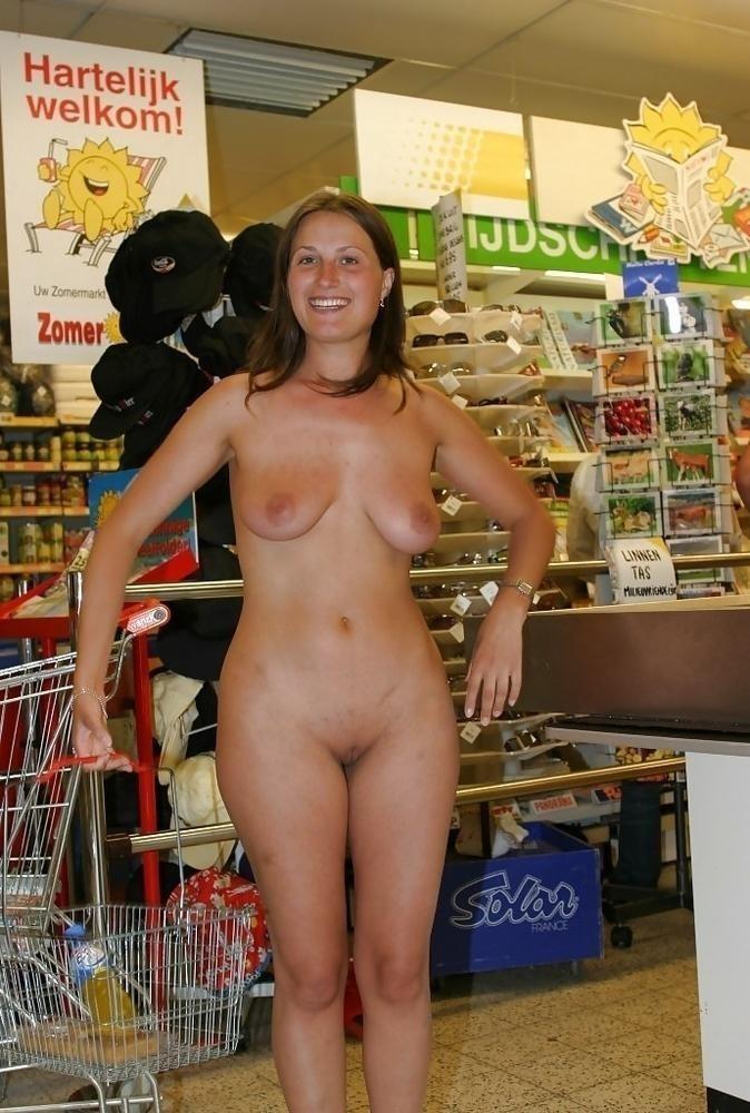 Nackt Beim Einkaufen