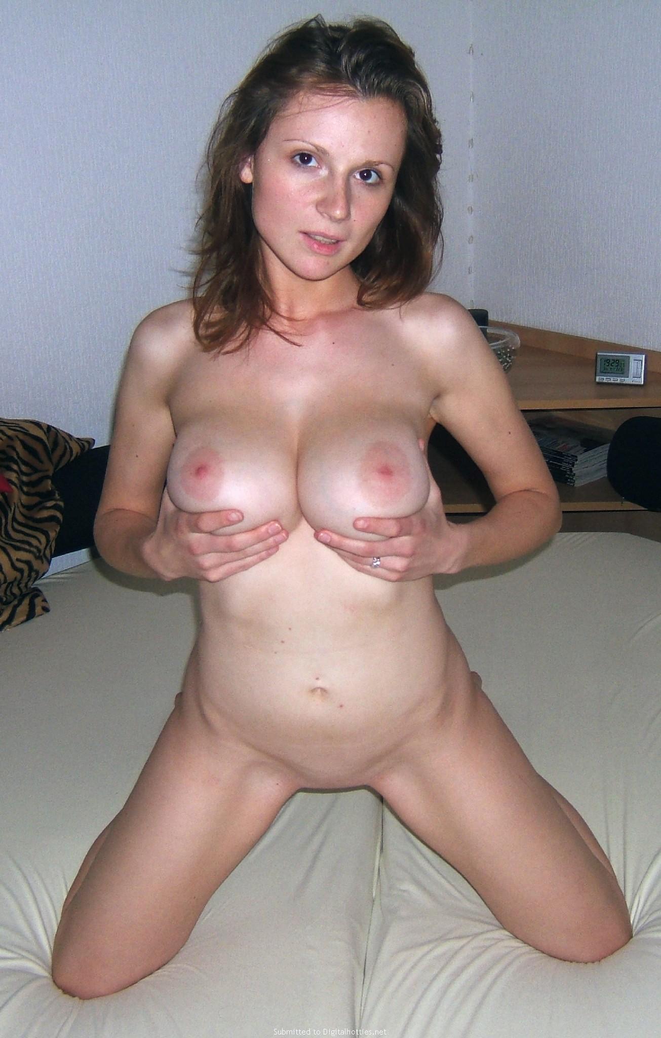 Hots Nude Polynesian Gif