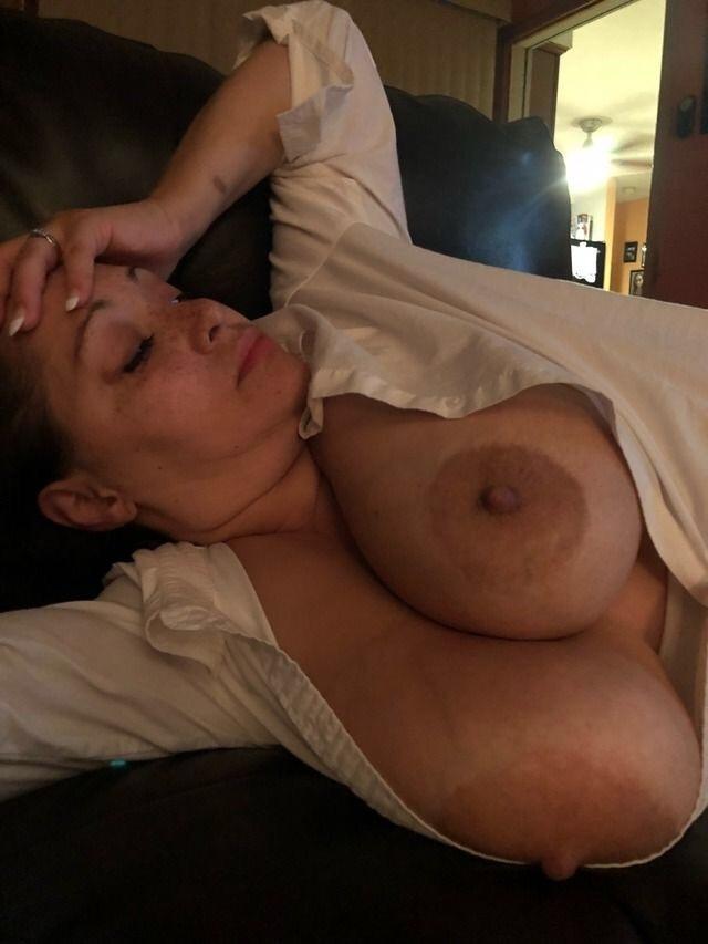 Huge Titty Tumblr Milf Crazyjenn52000 - Shesfreaky-4479