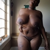 YourNudeMom BBW I like