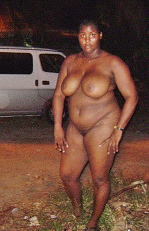 Thick Kenyan Bww Nude In Public - Shesfreaky-1672