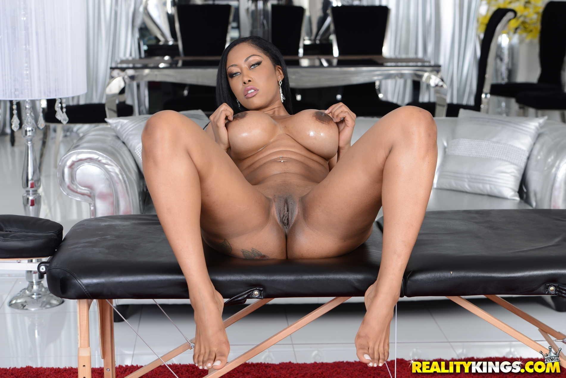 Moriah Mills Sex