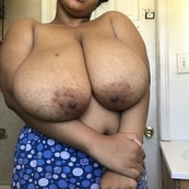 My Neighbor really got sum Huge Tities‼️