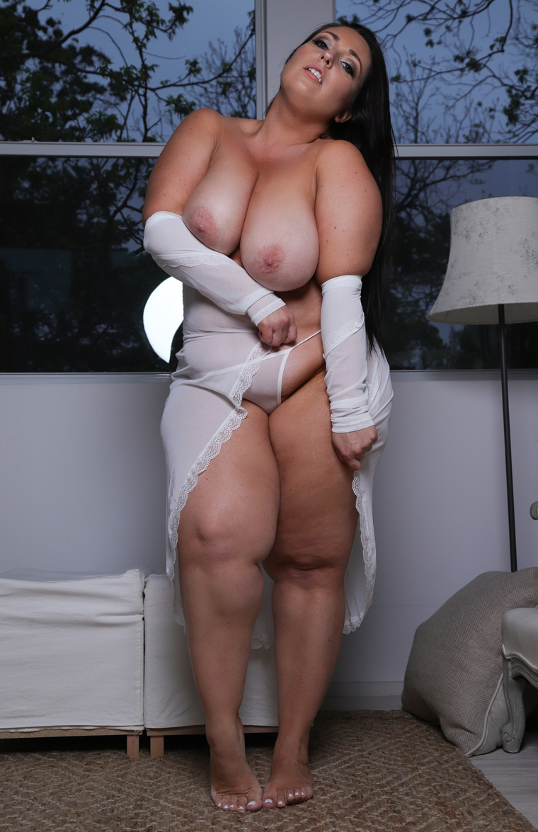 Vanessa mai ancensored
