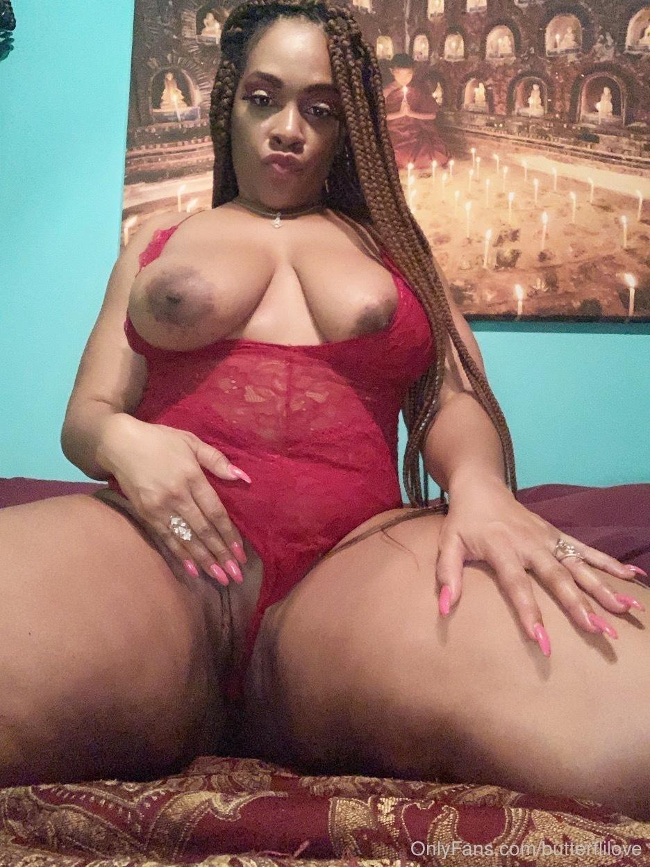 Superstar Sara Gold Nude Photos