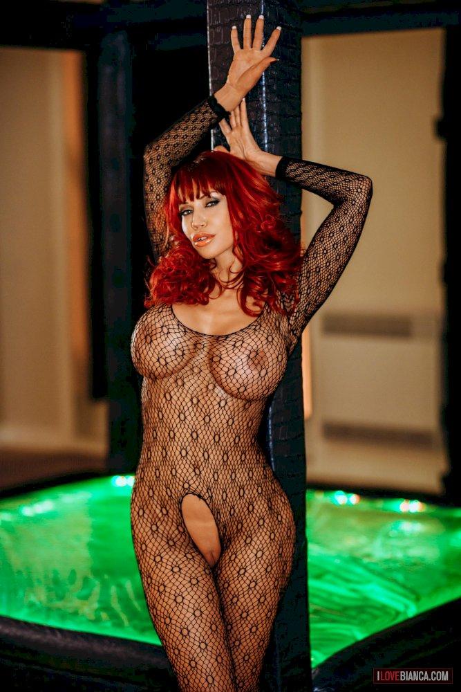 Naked Girls 18+ Monster cock anal cumshot