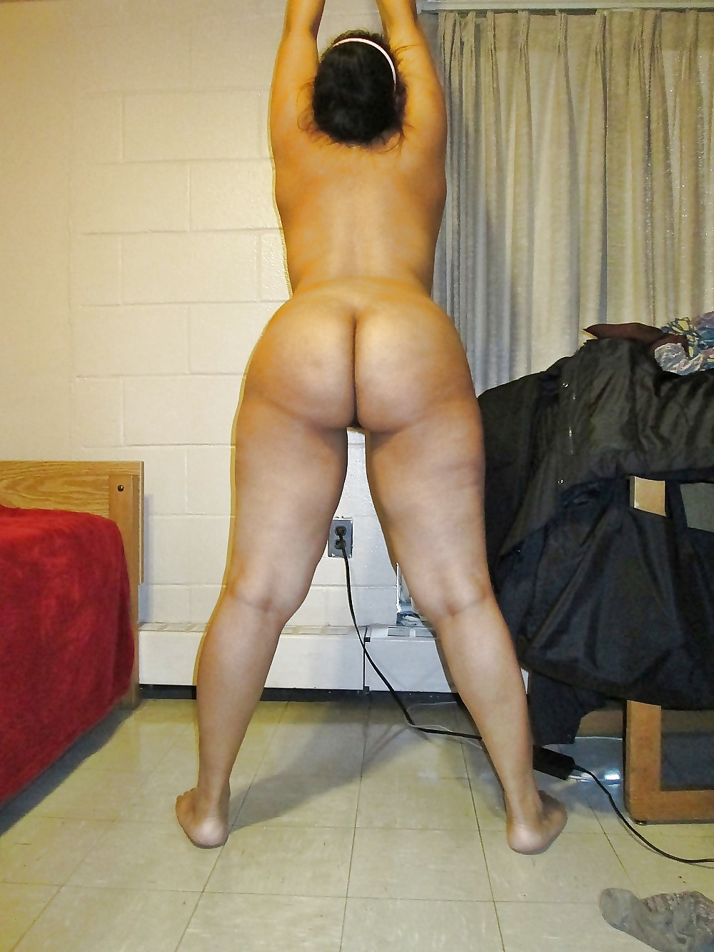 Big light skin booty