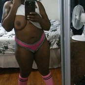 Ebony Milf taking selfies