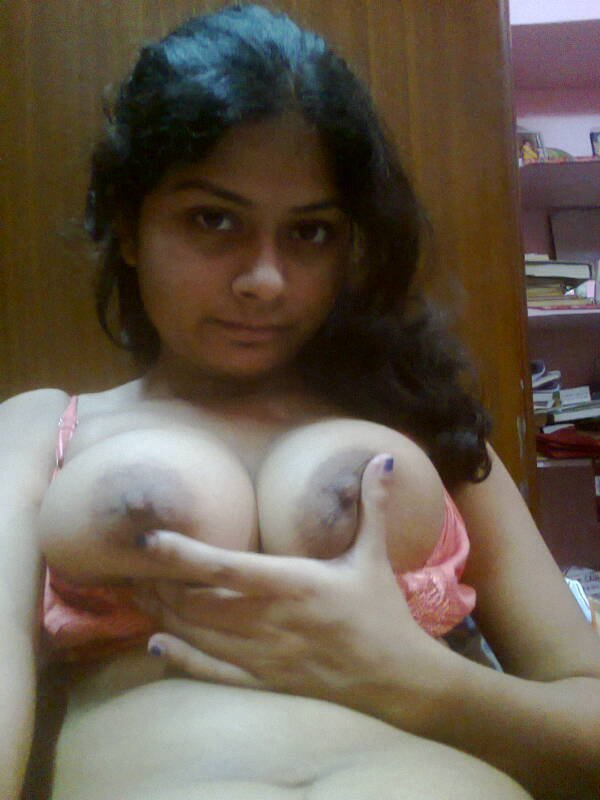 Hot Indian College Girls Boobs