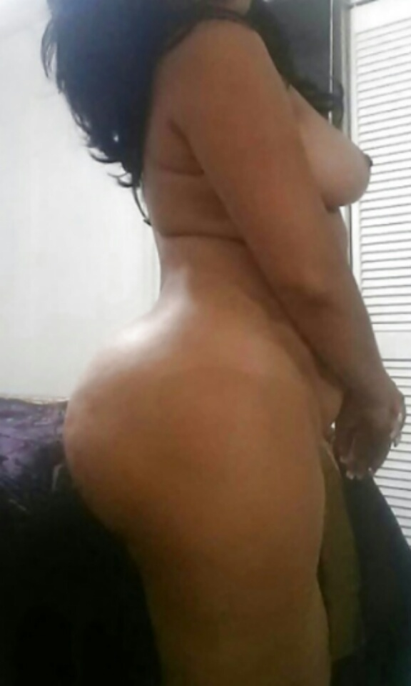 Interracial sex in shower