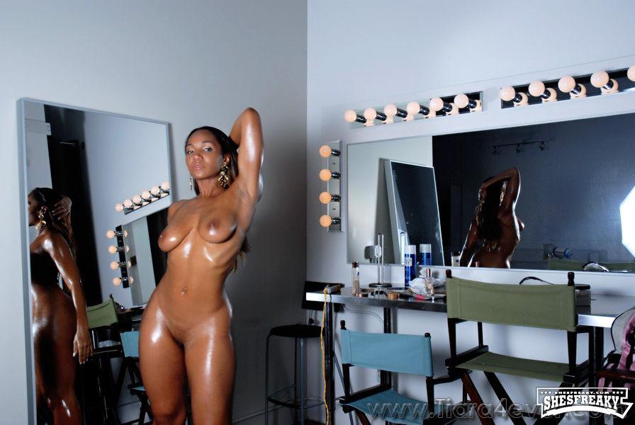 Nackt  Tiara Harris XXX Tiara