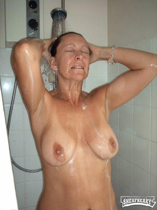 Old ladies posing nude