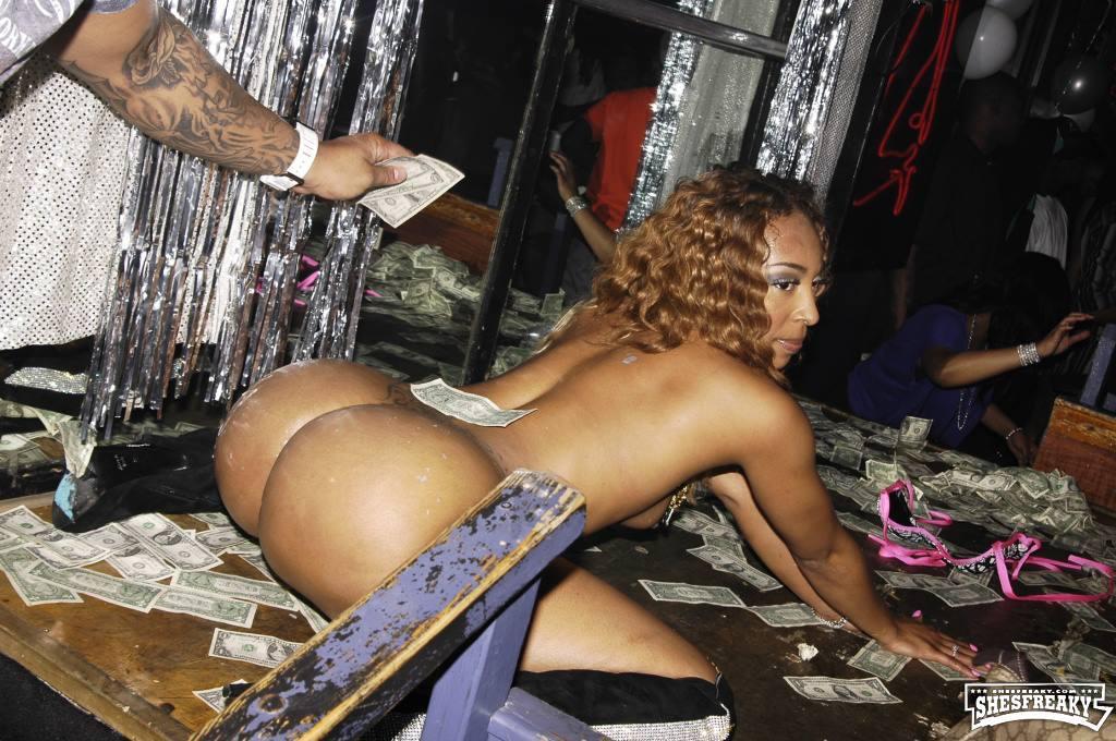 Roxy reynolds strip club