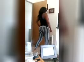 philly thot sinnimon off of ghetto gaggers dancing