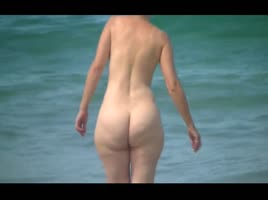 MILF with huge thick white ass at public beach