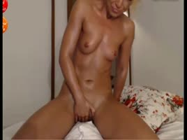 Crazy Sexy Masturbation with Vibrating Pussy Play