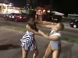 Fat Booty Strippers Fight Instead Of Fucking