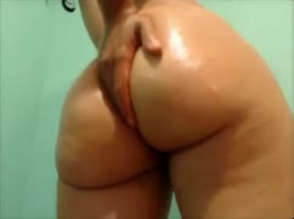 Yellowbone oiled ass clapping