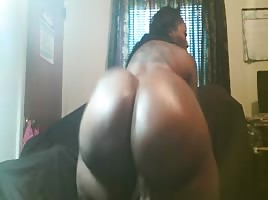 big webcam booty