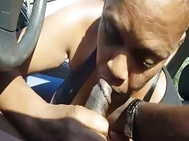 Redbone Granny Sucking Dick in Car