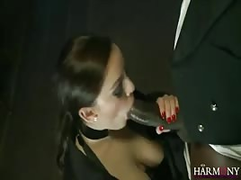 Sexy snow bunny hoe swallowing dick