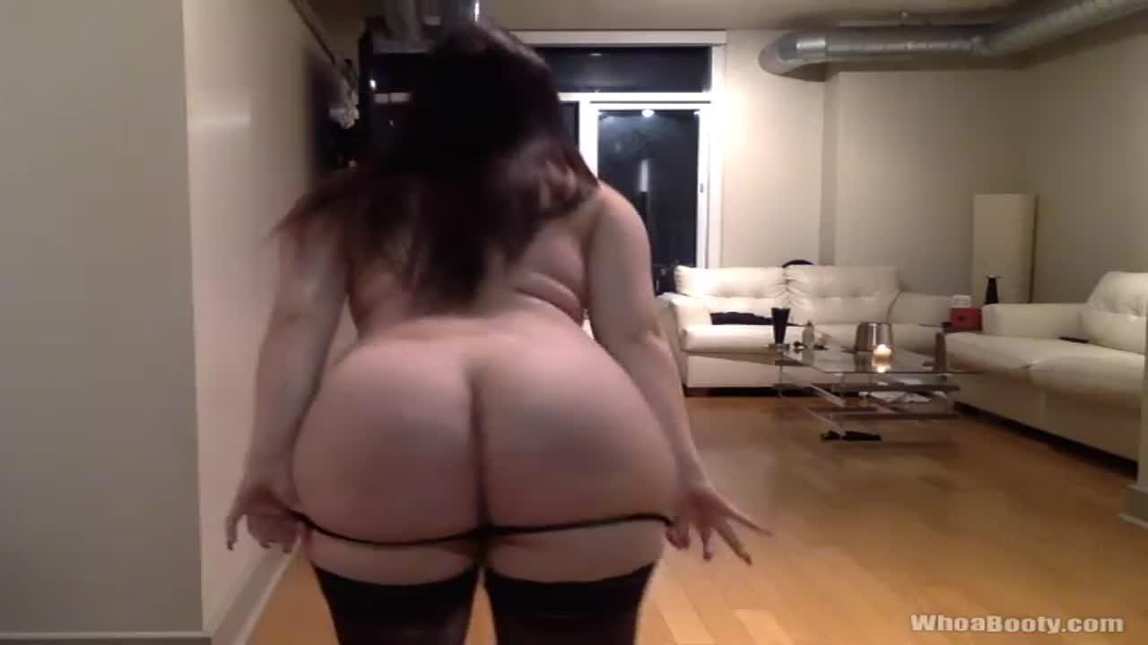 Bitches twerking nude — photo 5