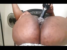 Horny BBW Loves to Squirt And Cum