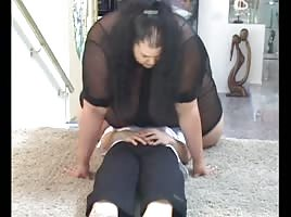 Asian Latina SSBBW squashing