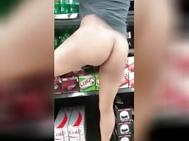 She flashes Pussy & ass in public supermarket