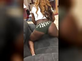 Strippers On Periscope