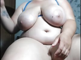 bbw babe loves to fuck her pussy with lovense