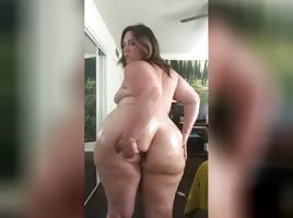 BBW Fat Ass Showing Butt Plug