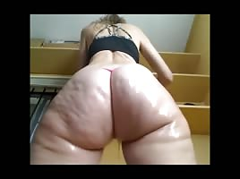 Oiled Soft Cellulite Clapping Booty Spread