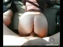 Milf works that ass in nice public fuck