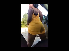 Sexy black chick twerking no panties