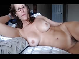 Mature milf fingering on webcam