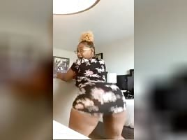 memphis big booty cutie twerkin w/ no draws on