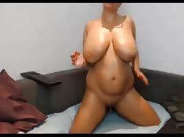 Amateur big boobs milf masturbate
